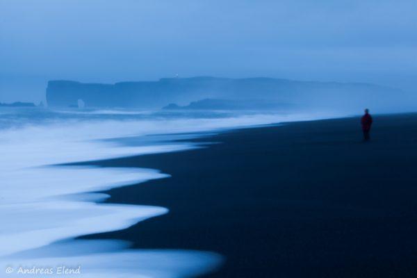 Blaue Stunde am Reynisfjara-Strand