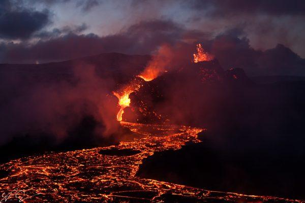 Vulkankrater im April I